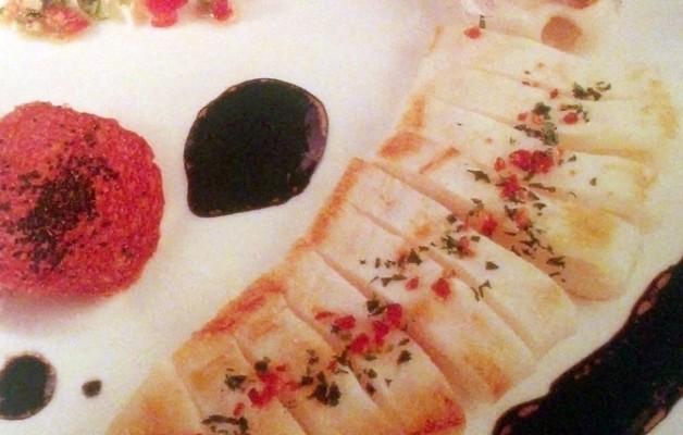 Receta: Begihandi a la plancha sobre salteado de hongos y galleta de ajo