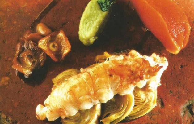 Receta: Cigalitas a la canela sobre alcachofas con sorbete de tomate