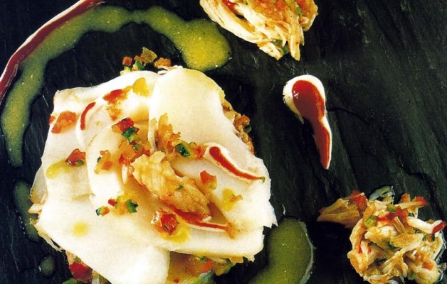 Recetas: Ensalada de bacalao y vinagreta de centollo sobre patatas a la canela