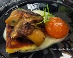 Receta: Setas sobre patata y ravioli de huevo crujiente