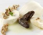Receta: Cuajo de colmenillas y espárragos naturales con néctar de patata