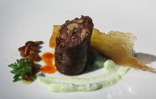 Receta: Morcilla de foie grass y hongos con cristal de pimientos y puerro ahumado