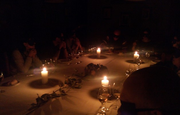 Así fue la cena a ciegas en Andra Mari
