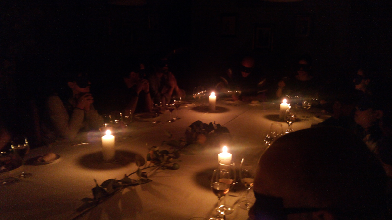 cena a ciegas andra mari