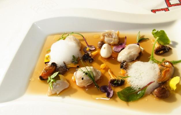 Receta: Ensalada de setas y moluscos en escabeche de manzana
