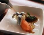 Receta: Anchoas marinadas con tapenade de aceitunas negras, consomé de salazón y sorbete de naranja y Campari