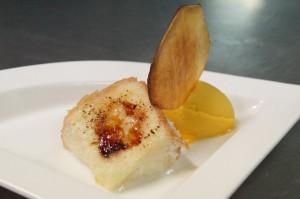 Torrija de coco con helado de mango