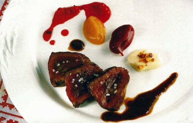 Receta: Corzo con puré de castañas y confitura de pera