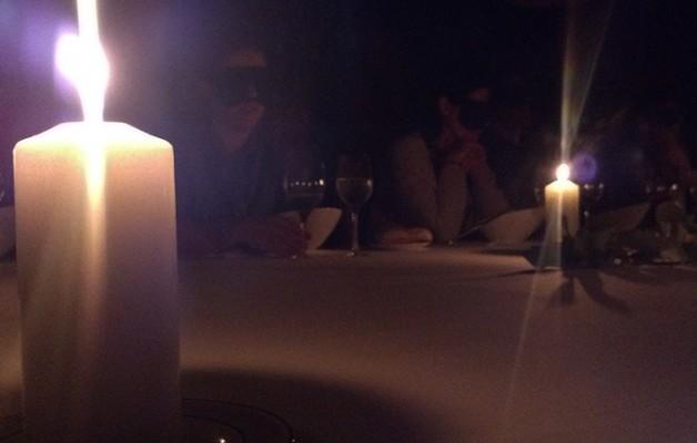 Cena a ciegas en Aizian