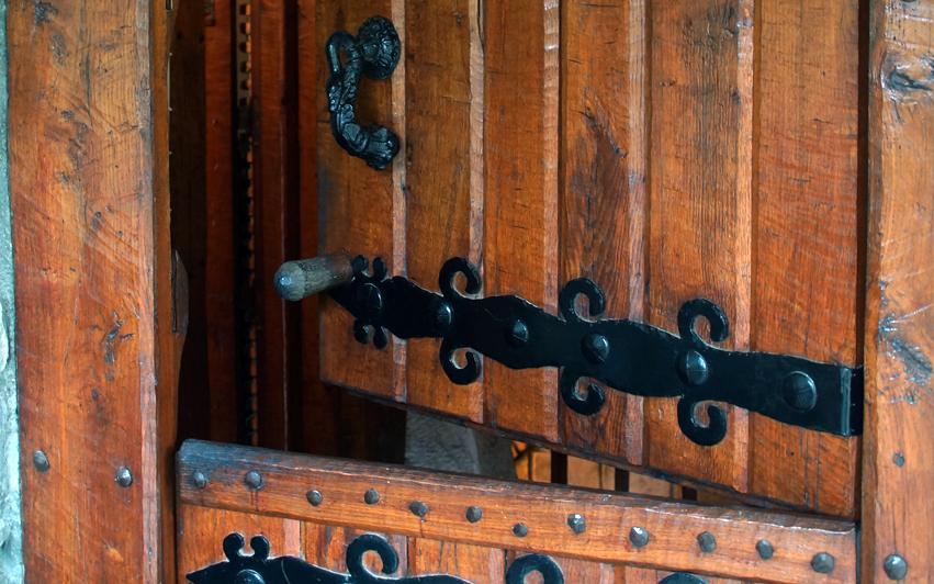 puerta andra mari