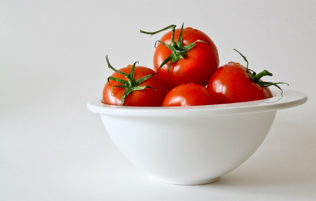 Truco: Cómo pelar tomates fácilmente