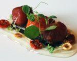 Receta: Tomates en texturas sobre antxoas y olivas negras