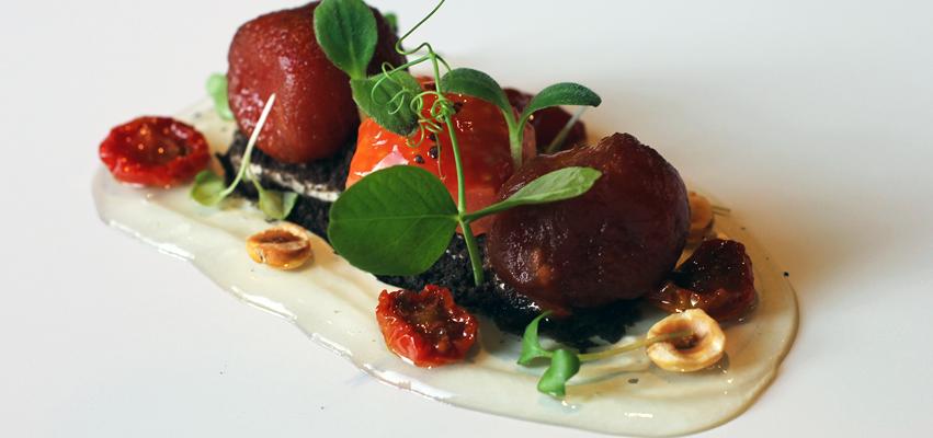 Tomates en texturas restaurante Aizian Bilbao