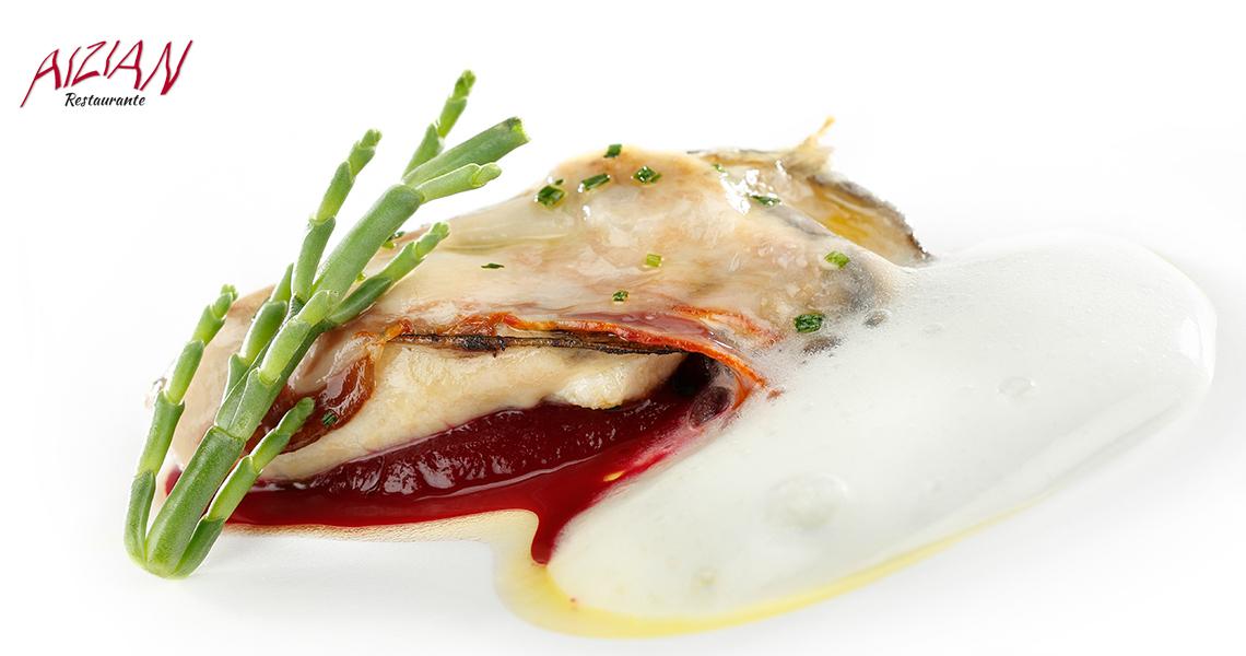 Ostra a la plancha sobre crema de remolacha, velo de Euskal Txerri y aires cítricos aizian menu aste nagusia bilbao