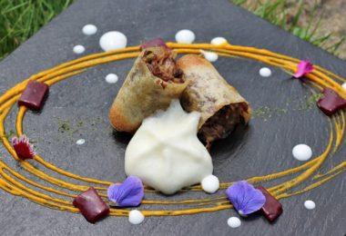 Receta: Crujiente de rabo de toro con espuma de patata trufada