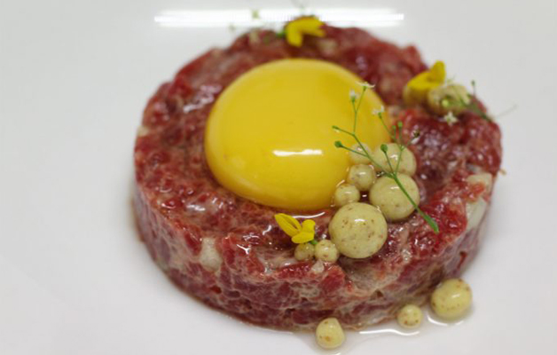Receta: Steak tartar de ganado mayor con mostaza