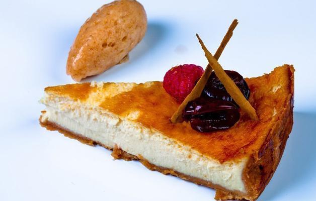 Tarta queso azul sorbete cerezas Aizian