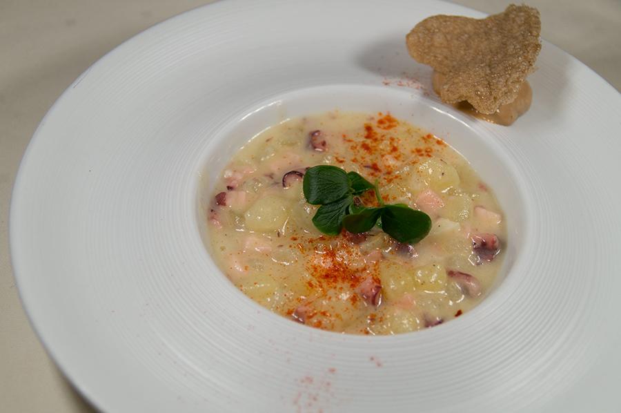 Falso risoto de pulpo y patata al pimentón con mousse de mejillones II