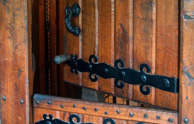 puerta andra mari madera
